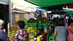 souvenir Bogyoke Aung Sann Market yangon photo